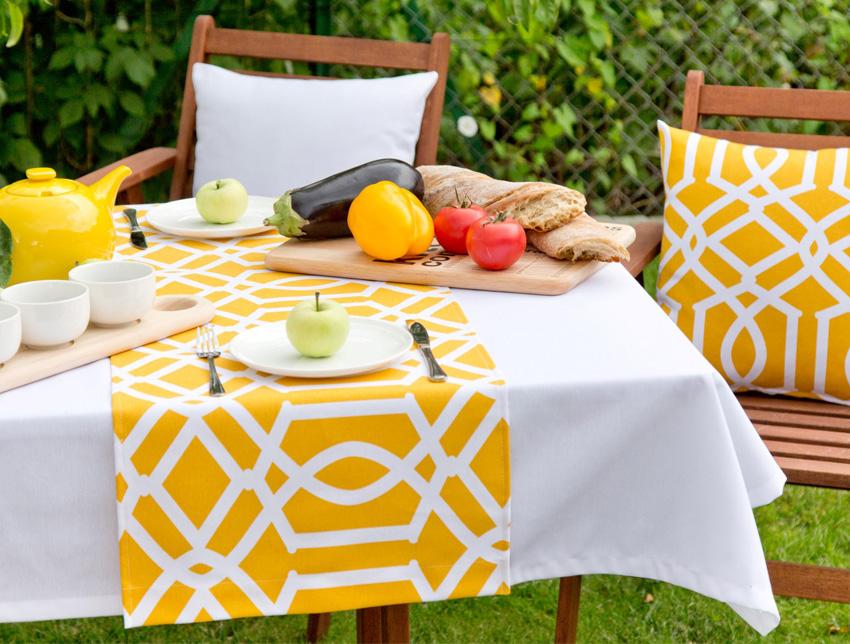 Idealne śniadanie w ogrodzie- kolor primrose yellow