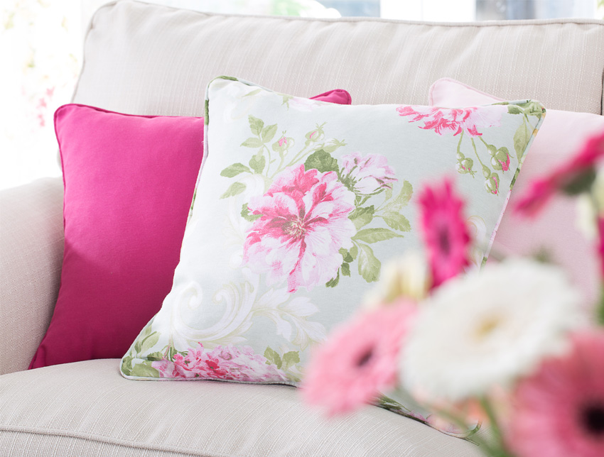 poszewki dekoracyjne w kwiatowe wzory