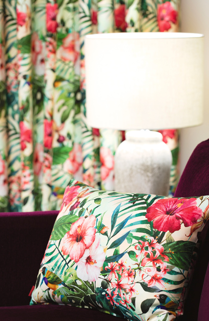 Poszewki na poduszki z wzorami rodem z dżungli, botaniczne wzory