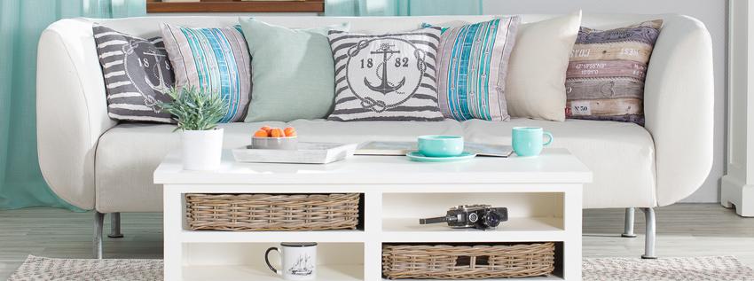 pokrowce na sofy ikea, dodatki na sofę w stylu marynistycznym, marynistycze dodatki do wnętrz