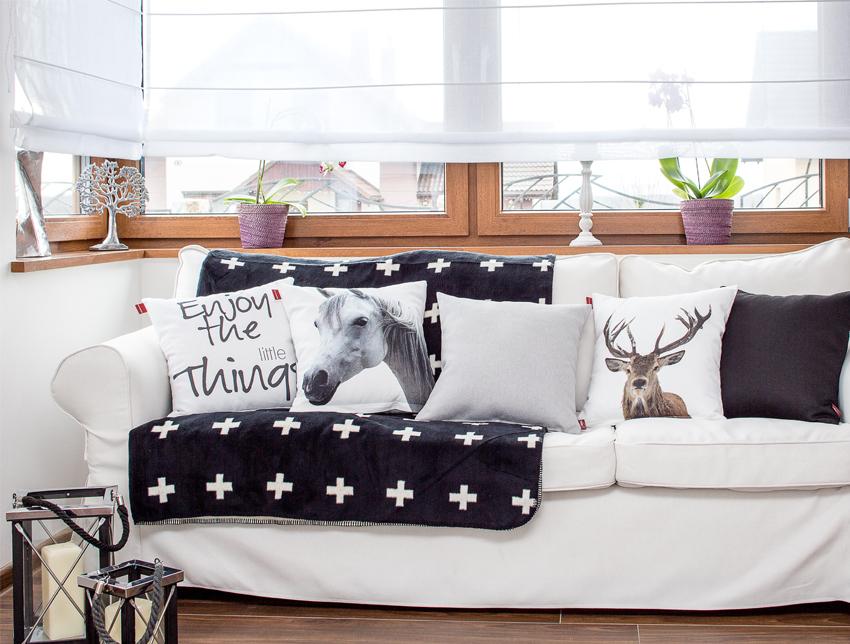 Salon w skandynawskim stylu- miękko i przytulnie, minimalizm, czarno-biała kolorystyka