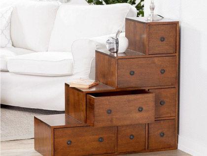komody krzesła meble drewniane do salonu witryny